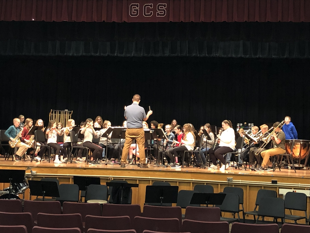 GCS Fifth Grade Band rehearsing for their MIOS concert.